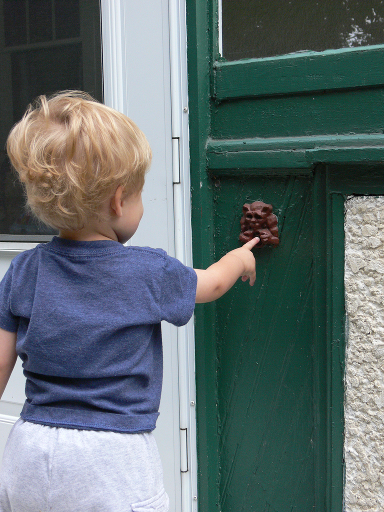 who's that ringing my doorbell?